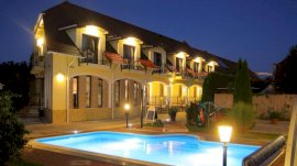 Bajor Panzió Étterem Aparthotel szálláshelyek Bükfürdőn
