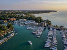 Hotel Yacht Wellness& Business Siófok szálláshelyek Siófokon